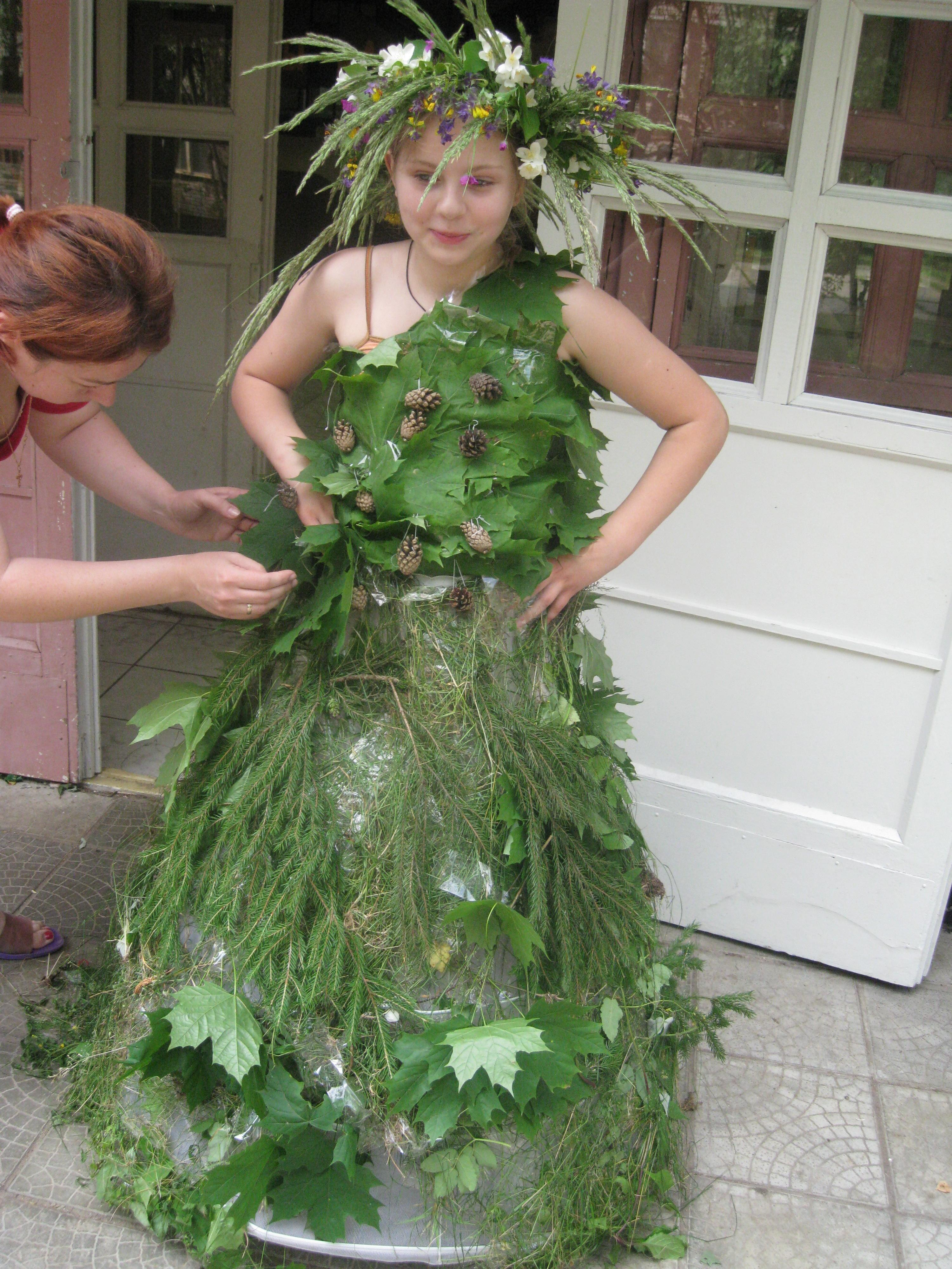 Платье из природного материала